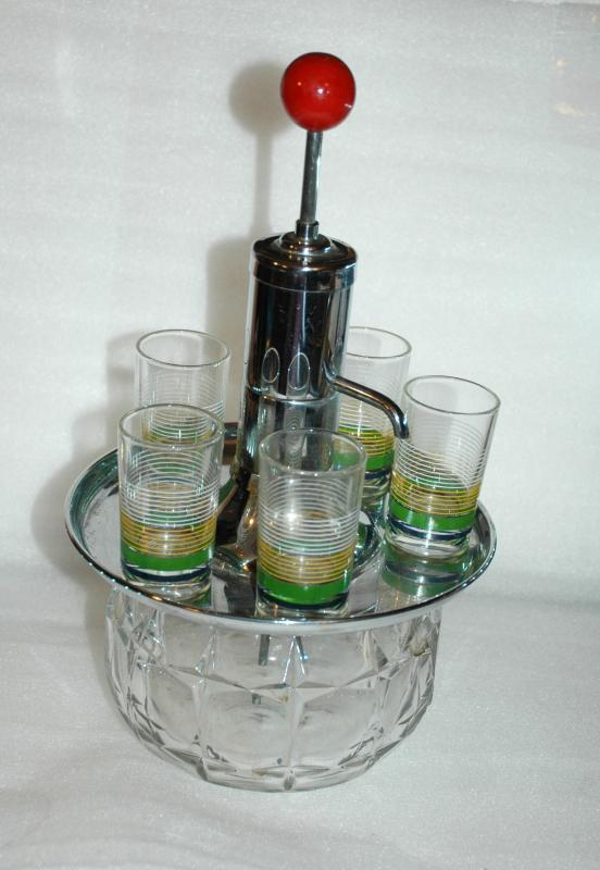 Vintage Park Sherman Merry Go Round Revolving Pump Liquor Dispenser Decanter with 5 Shot Glasses.