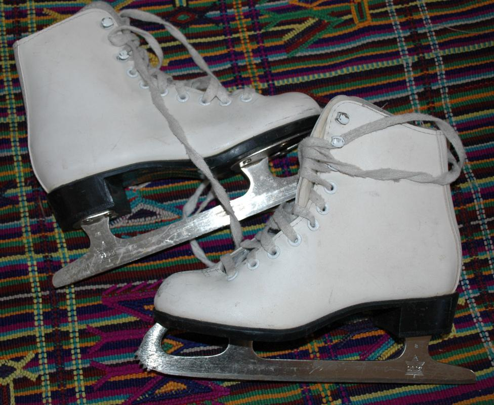 Ice Skates Figure Skating  size 1 from SLM Made in Canada / Leather Women/ Girls