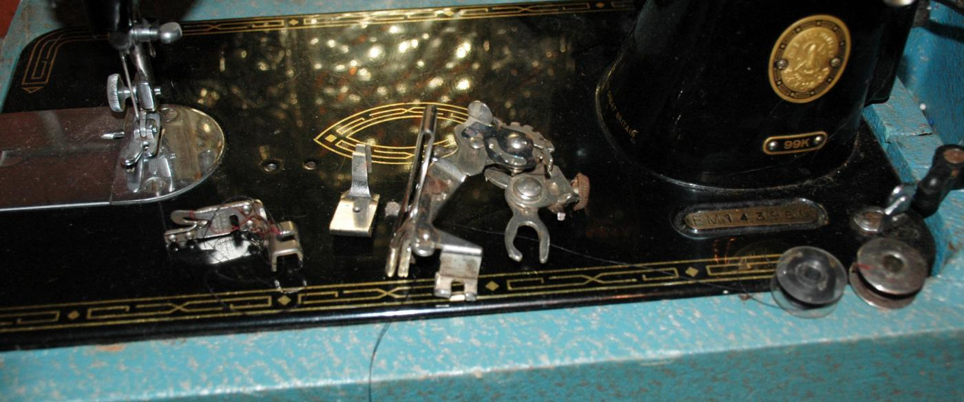Vintage 1956 Singer Model 99K Sewing Machine In Working Condition