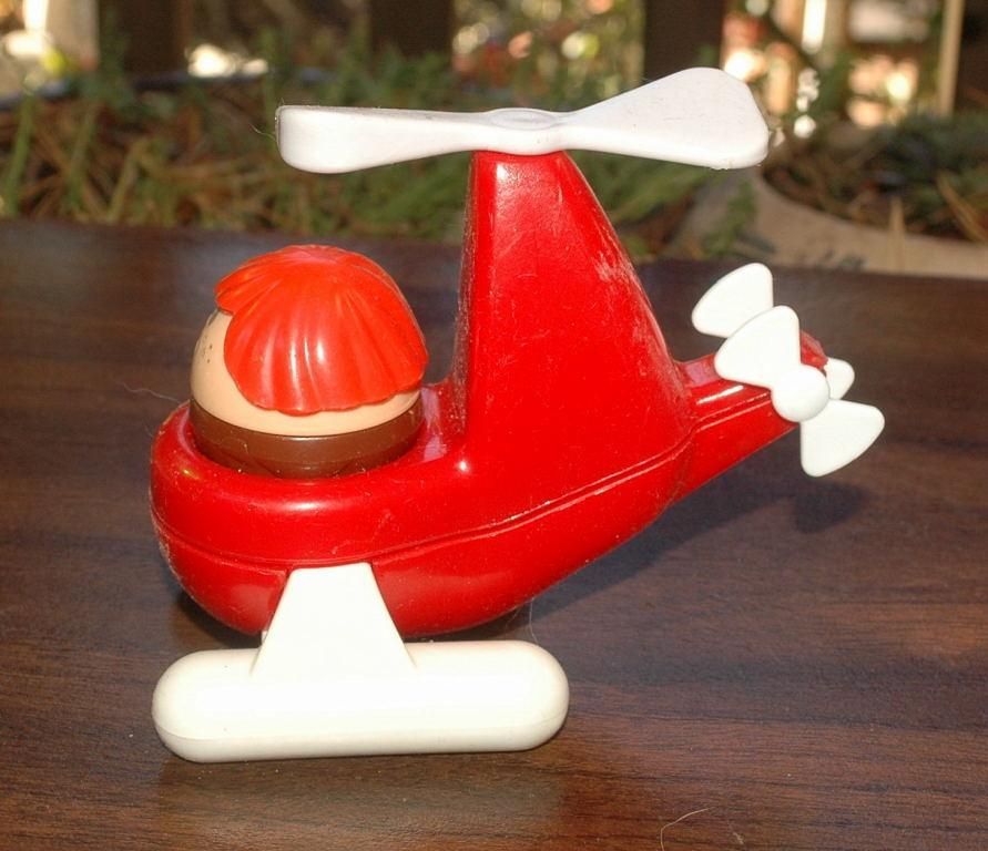 LITTLE TIKES HELICOPTER WITH AVIATOR TODDLE TOT.