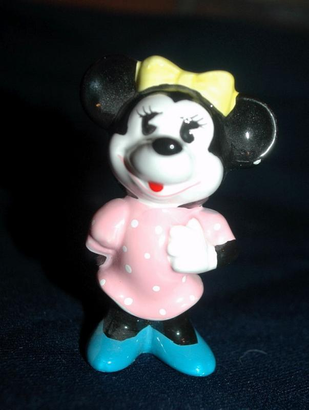 Minnie Mouse Figure  4