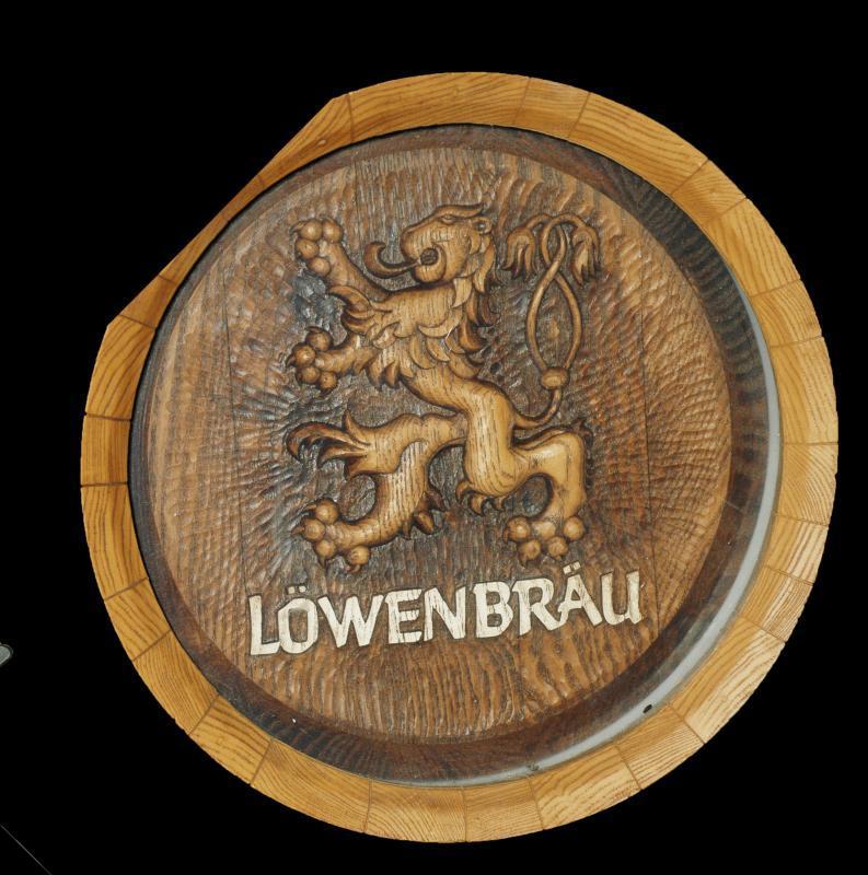 Lowenbrau  Beer  Lighted Wood Barrel Top  Keg Bar Sign