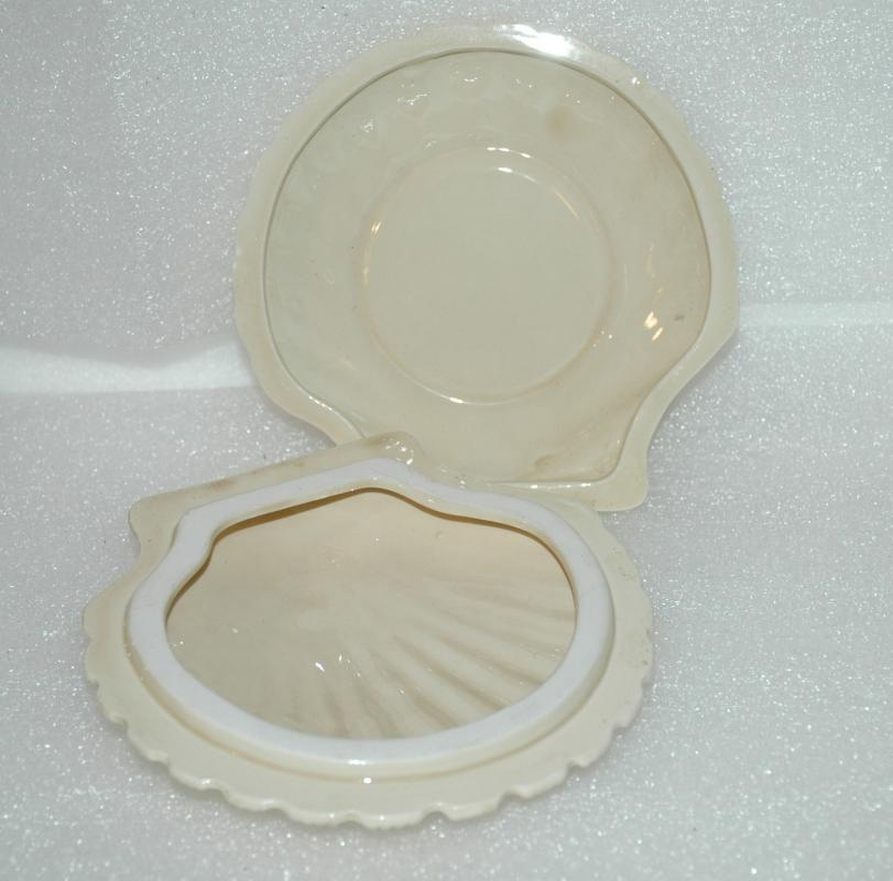 Vintage I W Rice Porcelain Clam Shell Covered Trinket Dish