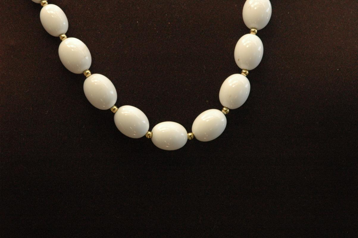 Monet White / Gold Beaded Necklace