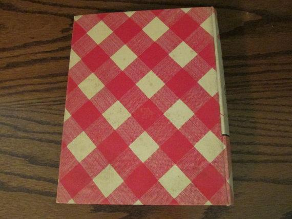 Better Homes & Gardens Cook Book, Deluxe Edition Ring-bound – 1943  with War Time supplement.
