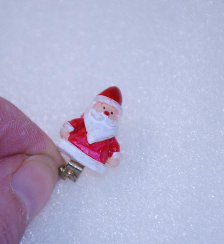 Tiny  Santa Clause Pin / Ceramic   3/4