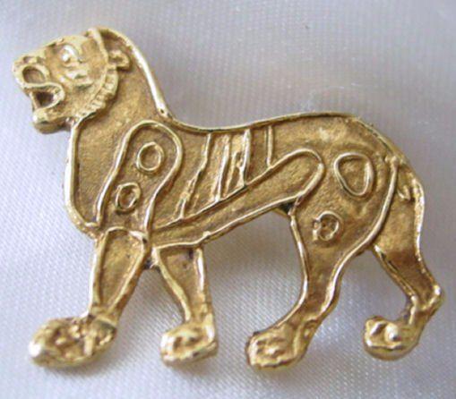 Alva Studios Ancient Lion Pin Brooch Gold