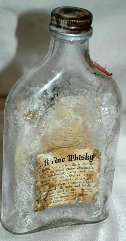 Antique Whisky Bottle Rustic Straight / Penna. Spirituous  and Vinous  LiquorTax Paid