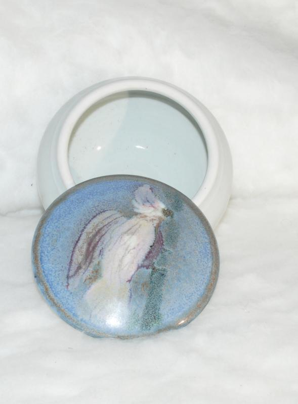 Round Cockatoo Pottery Box Bowl with Hand Painted Lid / Signed