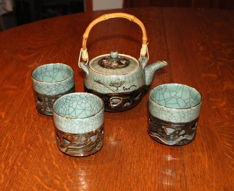 VINTAGE JAPANESE SOMAYAKI DOUBLE WALL GREEN TEA POT Galloping horse /  HEART AOHIBI CERAMIC with  3 matching cups