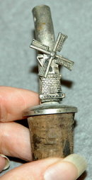 Moving Windmill Bottle Stopper & Spout