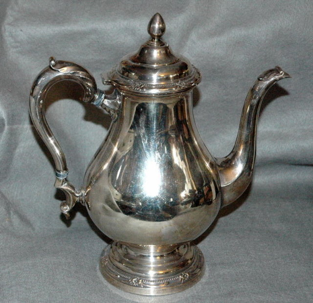 Rogers Bros. Remembrance  Silver Coffee Server  PRICE REDUCTION!**