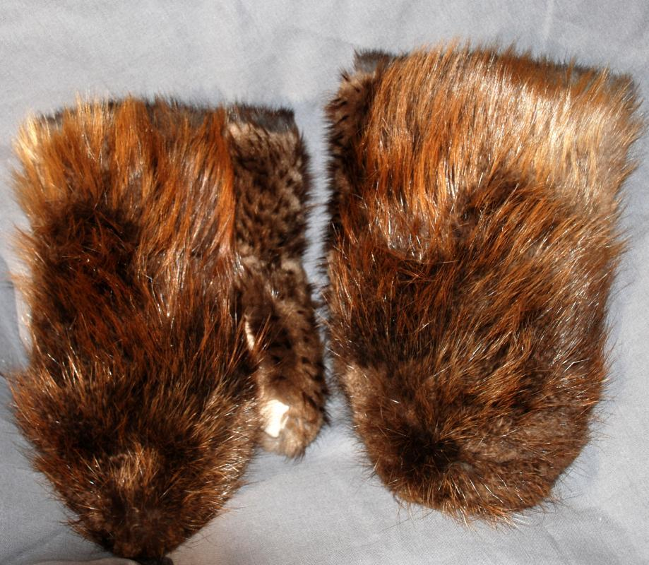 Glacier Gloves, Mittens Beaver Fur with Fur lining