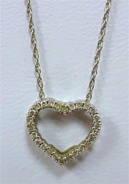 14K White Gold Diamond Heart Necklace Pendant  & Chain  1.2g