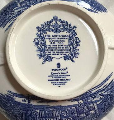 Wedgewood Romantic England   Queens Ware  The White Swan  Henley-in-Arden 1 Qt. Covered Vegetable Dish