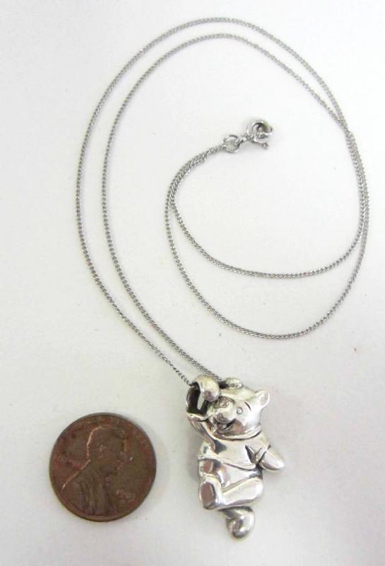 Sterling Silver Disney Winnie Pooh Pendant Necklace.