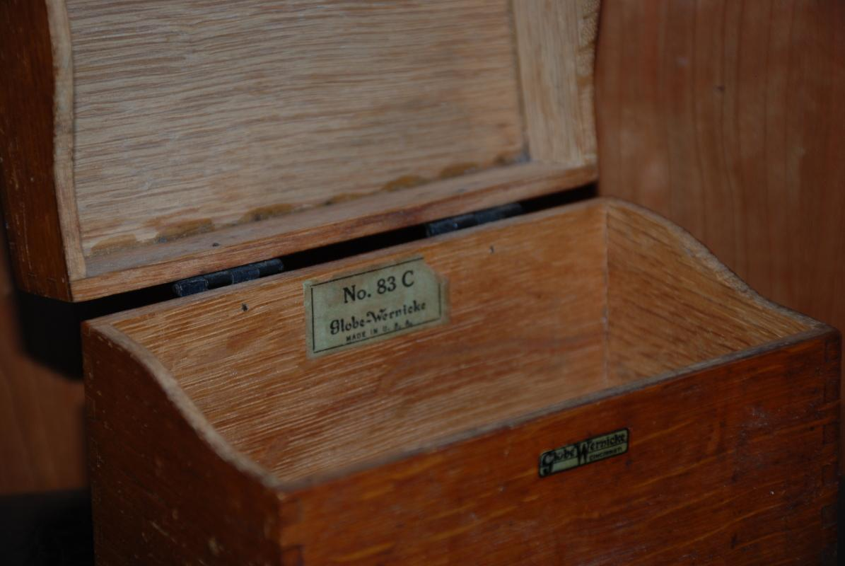 GLOBE WERNICKE VINTAGE WOODEN RECIPE BOX NO. 83C
