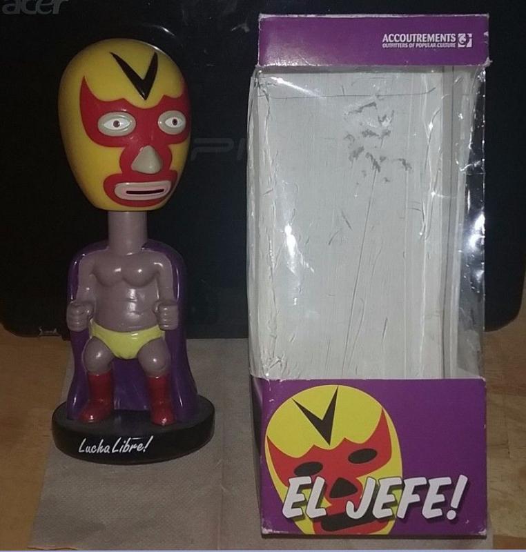 Mexican Lucha Libre El Jefe! Bobblehead Nodder Wrestler  New old Stock in box 1999