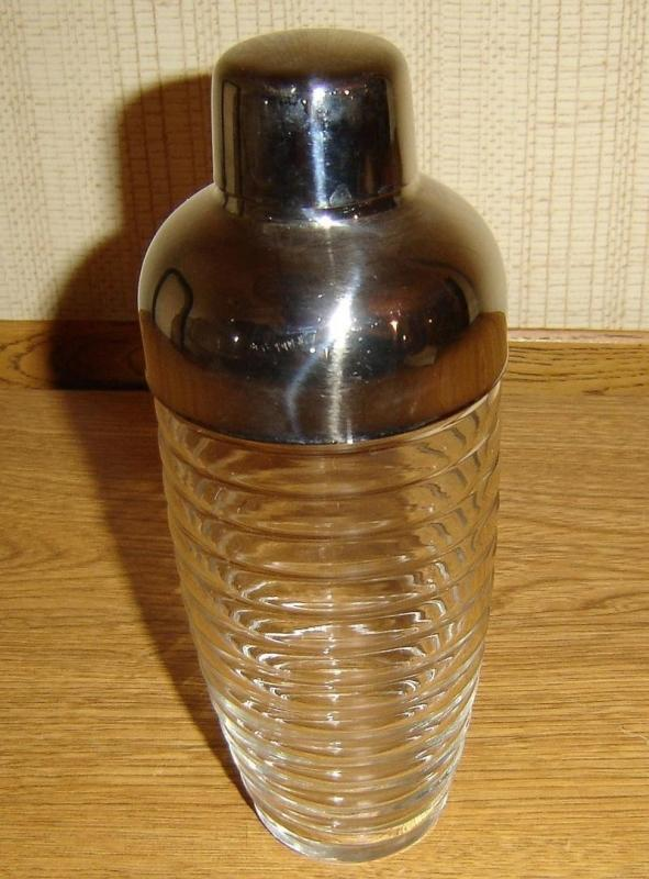 VINTAGE ANCHOR HOCKING CLEAR BEEHIVE RIBBED GLASS COCKTAIL SHAKER WITH STAINLESS LID 8