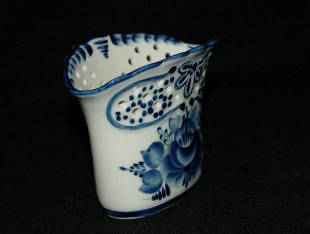 Blue & White  Gzhel Porcelain Reticulated Vase  From Russia