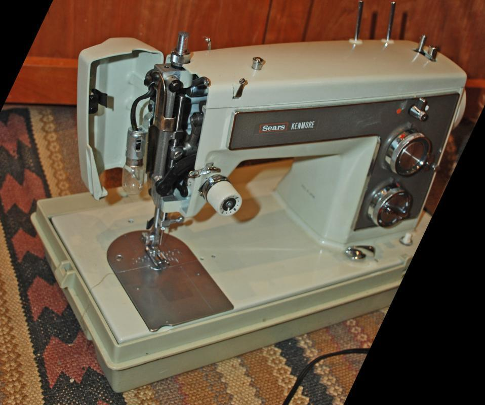 Sears Kenmore 158 141 Heavy Duty Sewing Machine with Case , Excellent condition sews leather
