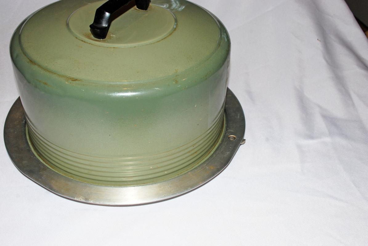 Vintage Cake Carrier Avocado Green by Regal Ware Aluminum