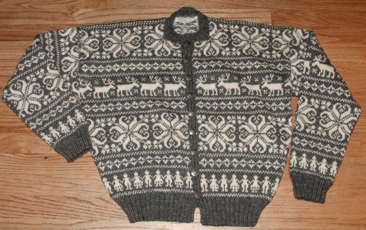 Vintage Norwegian Cardigan Sweater with Reindeer and People Pattern, Hand Knitted in Norway , HUSFLIDEN Size 54  Grey and Cream, Excellent condition.