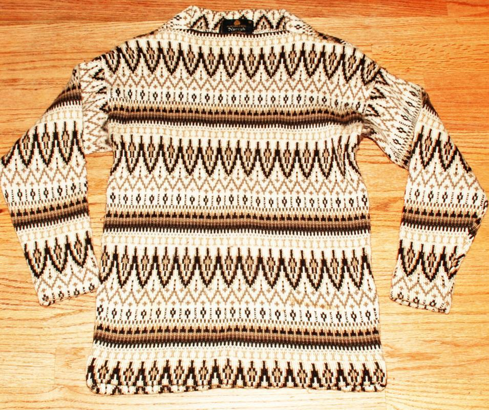 Norvyk 100% Wool Sweater by Renoir Corp for Pro Ski Shops Canada  size M  Vintage Browns and off white Pull over.