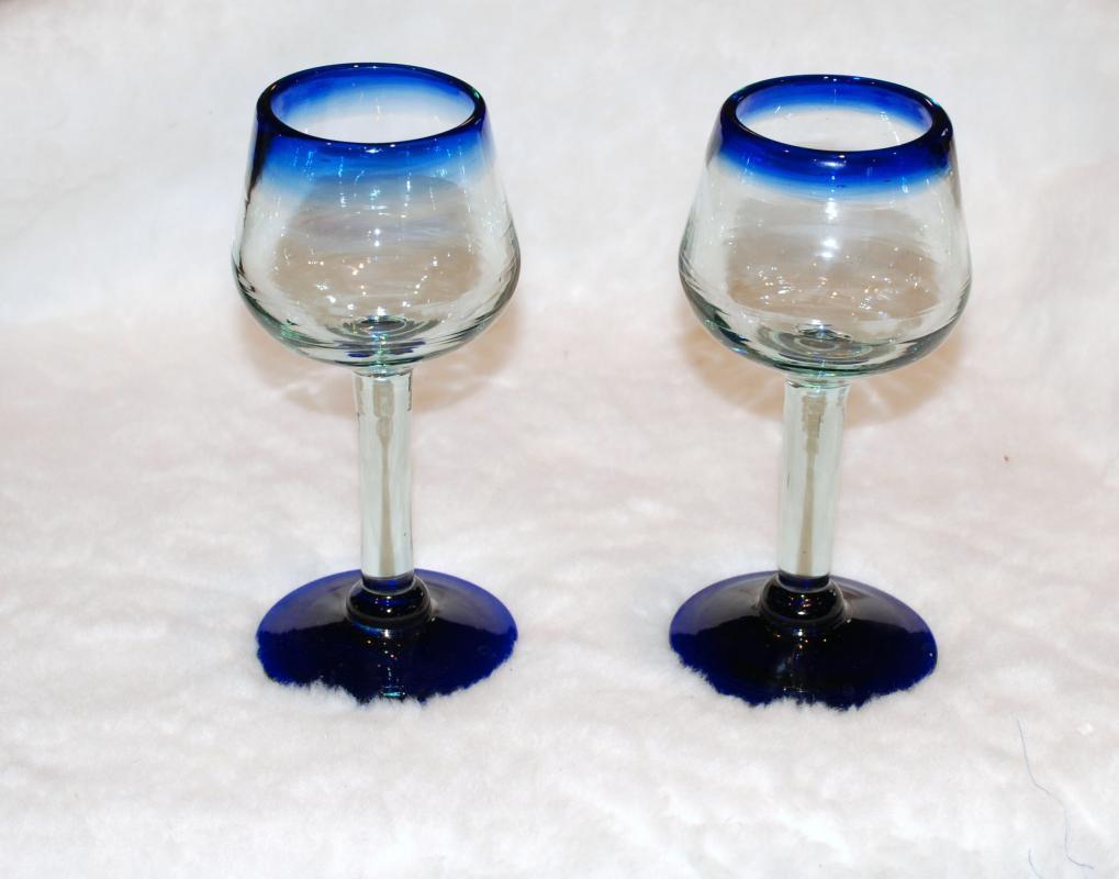 Mexican Blown Glass Tall Stemware Wine Glasses x 2