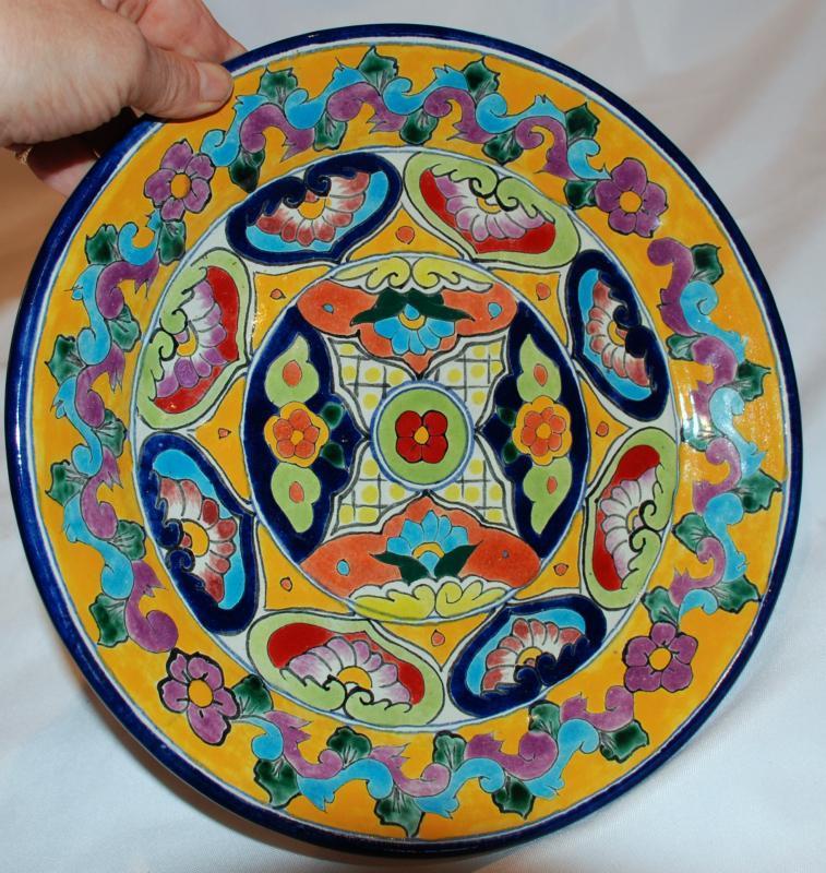 Vintage Talavera Vazquez Plate from  Dolores Hidalgo Mexico
