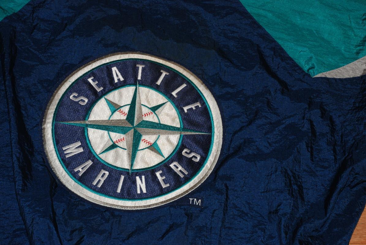 Seattle Mariners Windbreaker, Jacket, with Large Compass Logo Vintage size XL