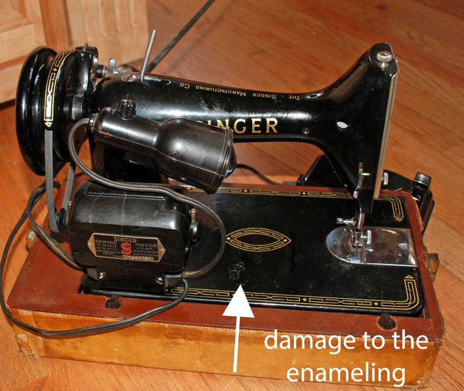 Singer Model 99K  Portable Sewing Machine In Great  Working Condition