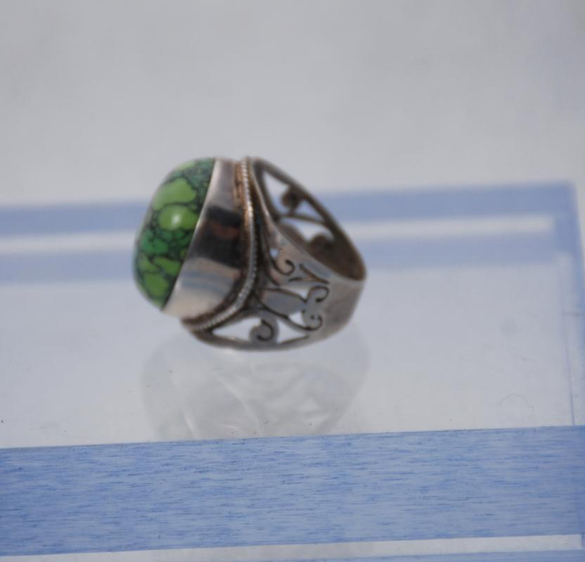 Sterling Silver and Green Turquoise Ring sz 7 , High Mounted Cabochon