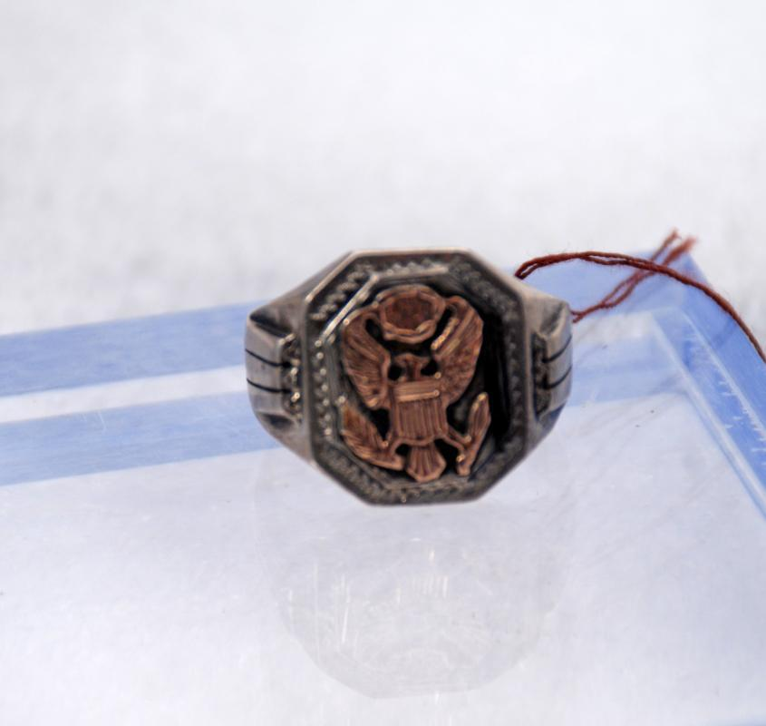 Mexican Eagle  Crest Biker Ring Sterling & Gold  14.7 grams in Suburb Condition
