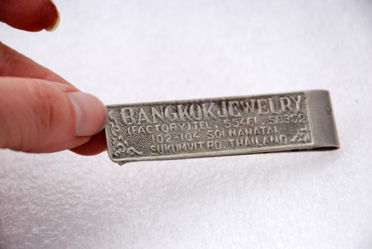 SOUVENIR BANGKOK THAILAND MONEY CLIP JEWELRY FACTORY  ADVERTISING