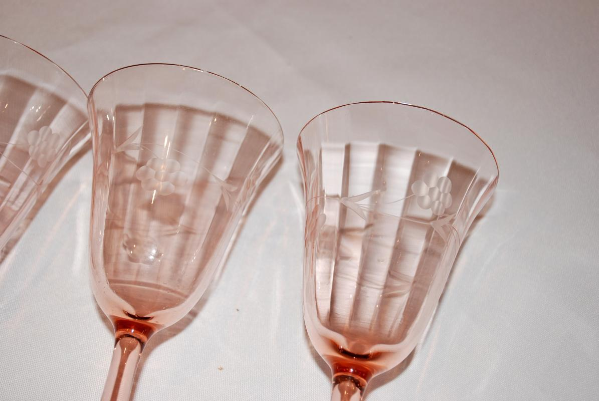 PINK DEPRESSION GLASS ETCHED OPTIC PANEL STEMMED WATER WINE GLASSES - SET OF 4