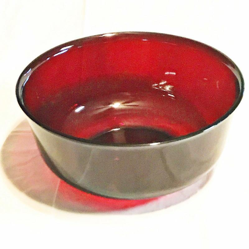 ARCOROC FRANCE RUBY RED SERVING OR MIXING  BOWL MEDIUM VINTAGE