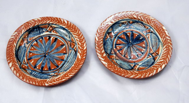 2 Mexican Pottery  Hand painted  Dishes