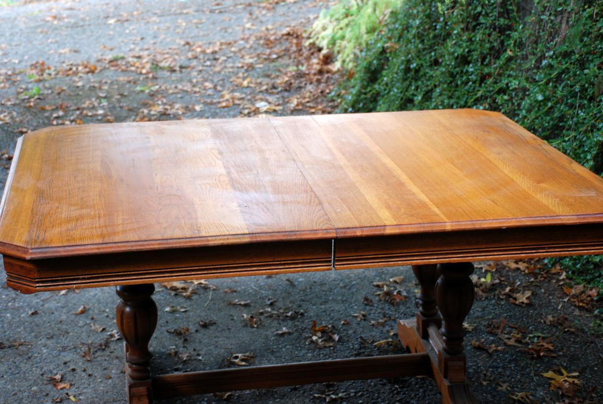 Dinning Table & 6 Matching Chairs Antique Double Pedestal  Solid Oak  Farm House