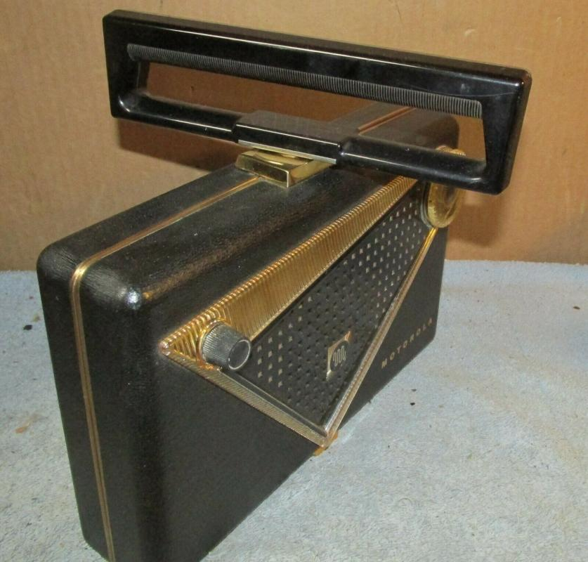 Vintage MOTOROLA 55L1 Portable AM Tube Radio  Purse Shape, Retro Space Age