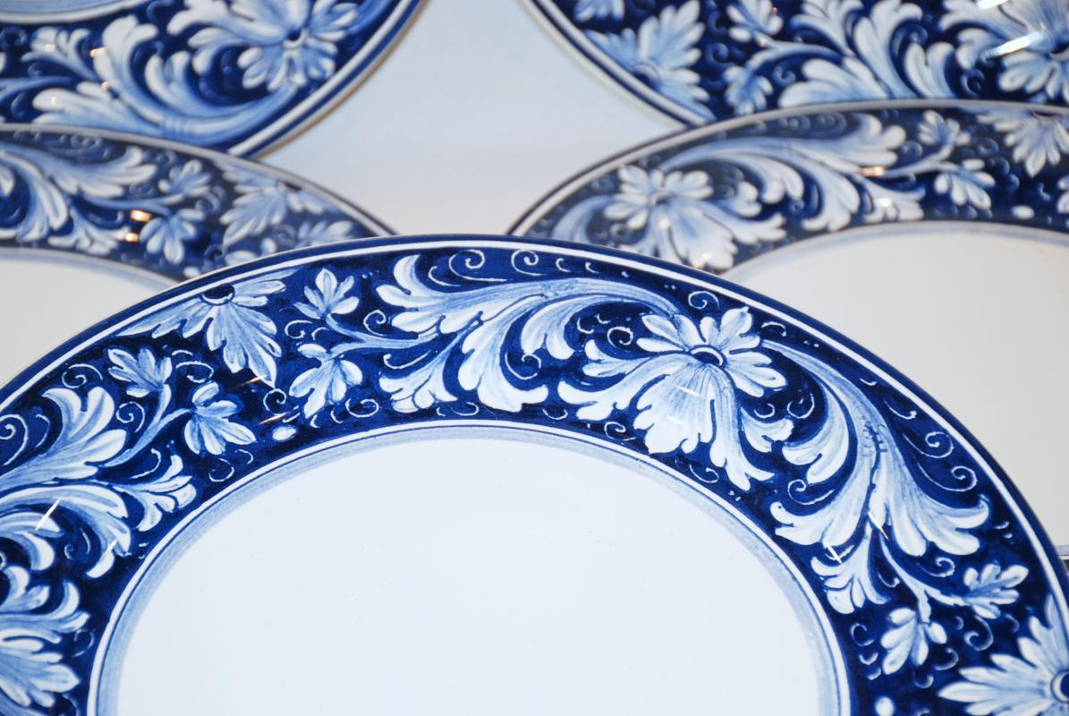 5 NOVA DERUTA  MOJOLICA BLUE  WHITE RIMMED  MADE IN ITALY  11.5