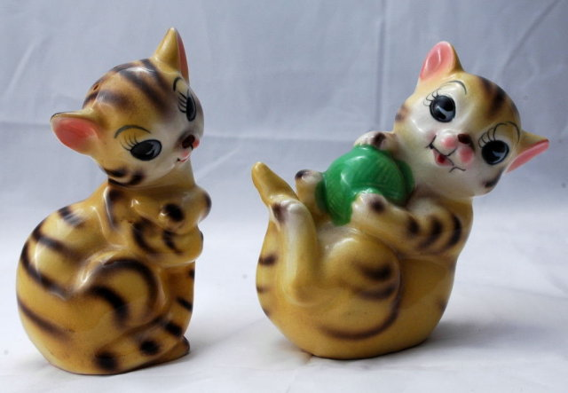 Kittens Salt  & Pepper Shakers -Vintage  Japan