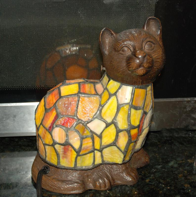 STAINED GLASS CAT  , ACCENT TABLE  NIGHT-LITE, LAMP