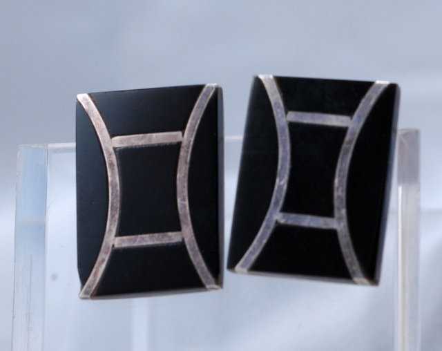 Taxco Mexico  Sterling Silver & Onyx Modernist Clip on Earrings