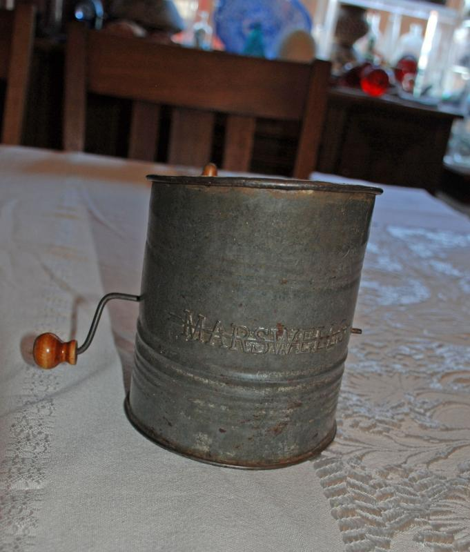 Marswells Flour Sifter with Wood Handles