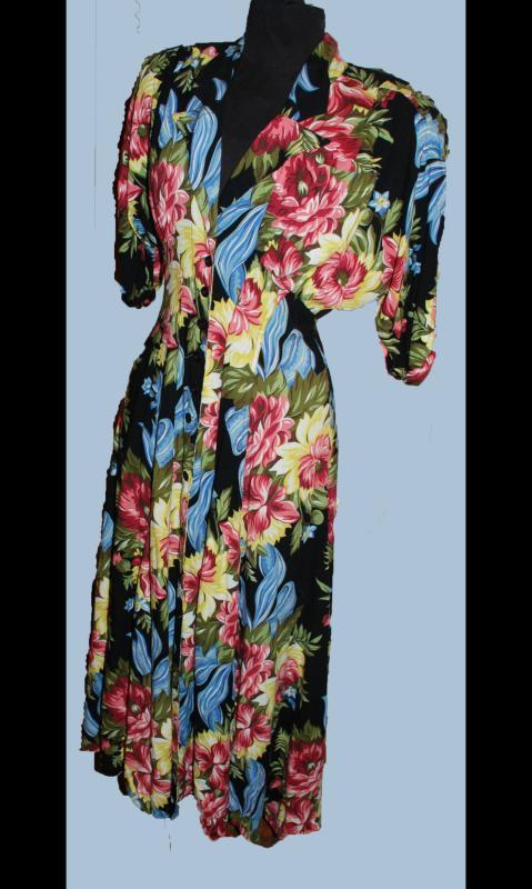 Vintage Karen Alexander  Dress  Big Floral Print  Padded Shoulders  1940's Style  sz 8 to 10