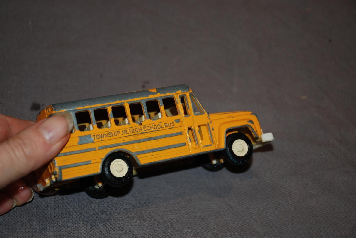 VINTAGE TOOTSIE TOY DIECAST YELLOW TOWNSHIP JR HIGH SCHOOL BUS