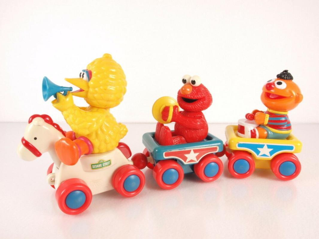 Vintage Tyco PreSchool Sesame Street Pull Toy Train Elmo Big Bird Ernie Band