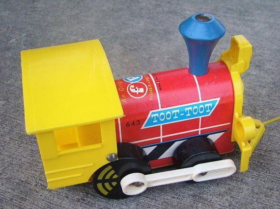 1964 FISHER PRICE WOOD PLASTIC TOOT TOOT TRAIN PULL TOY VINTAGE 643