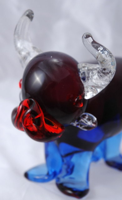 Murano Hand Blown Glass Bull Paperweight  Blue and Red